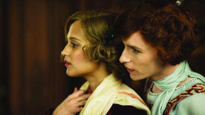 """Alicia Vikander y Eddie Redmayne en una escena de """"The Danish Girl""""."""
