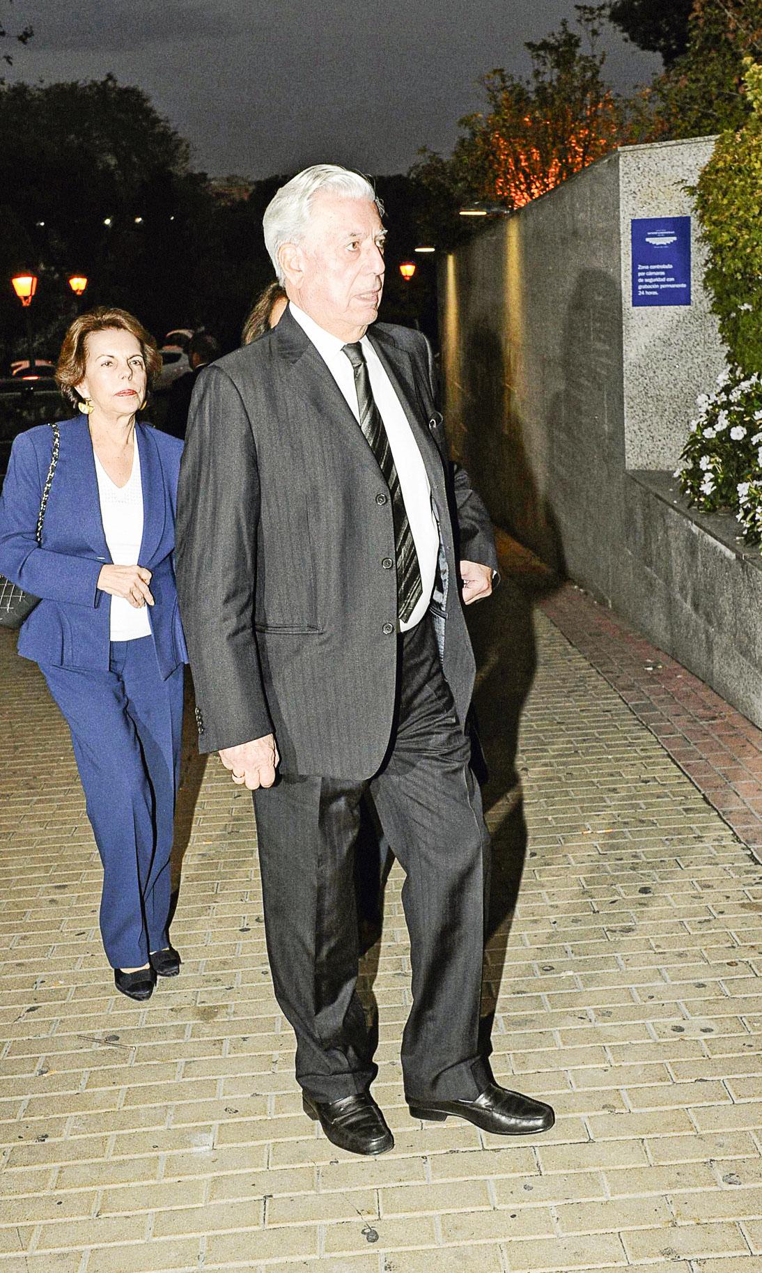Patricia y Mario llegan al velorio de Miguel Boyer, tercer esposo de Isabel Preysler, quien falleció en setiembre del año pasado.