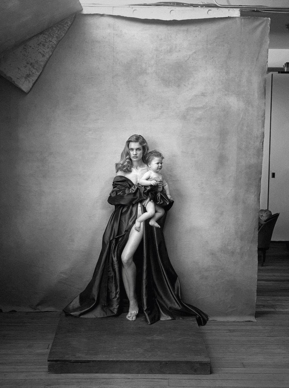 Vodianova en una de las imágenes de la última edición del calendario Pirelli.