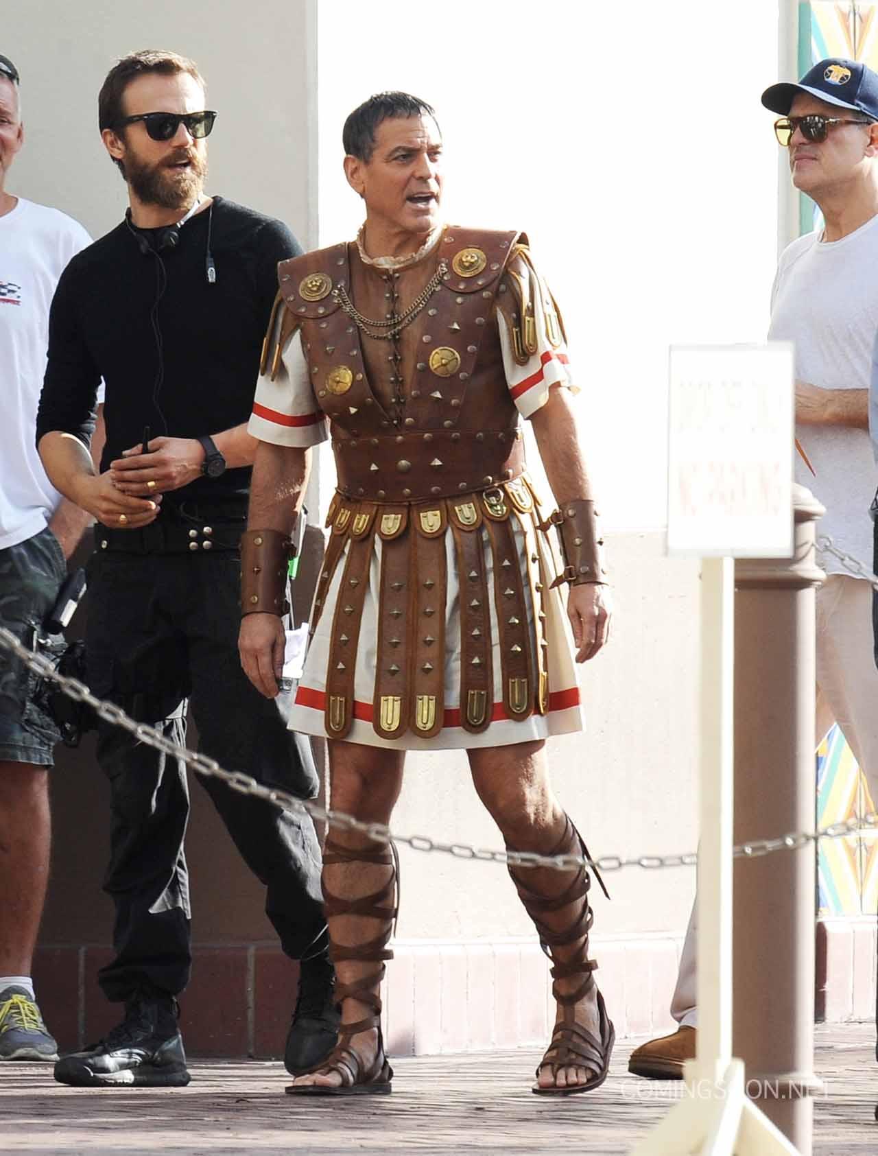 En su más reciente filme, Clooney interpreta a Baird Whitlock, una estrella de cine de antaño.