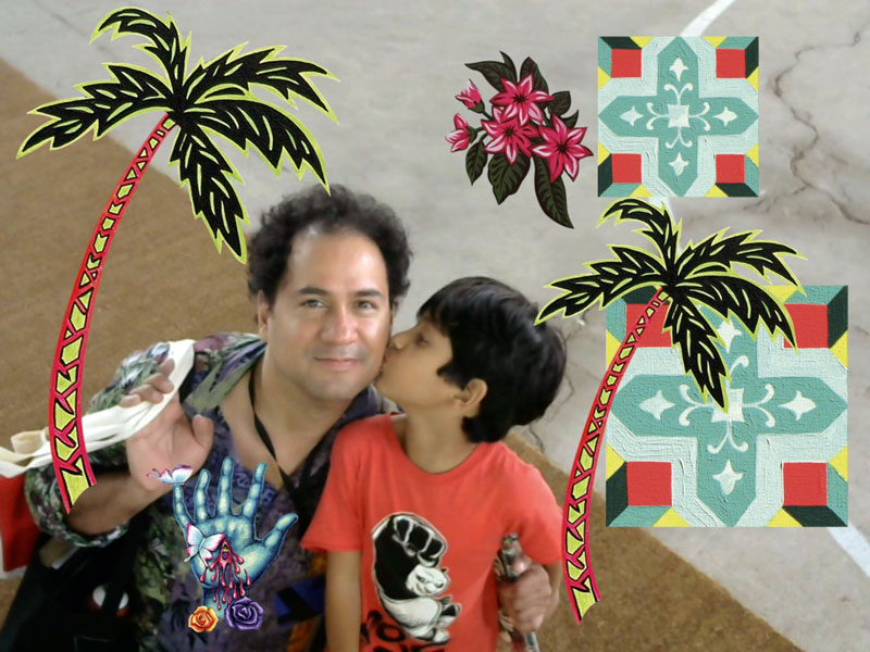 """Bendayán fue uno de los artistas que participó del proyecto """"Cosas Art Photo"""", en Art Lima. En esta imagen, posa junto a su hijo Nazareno."""