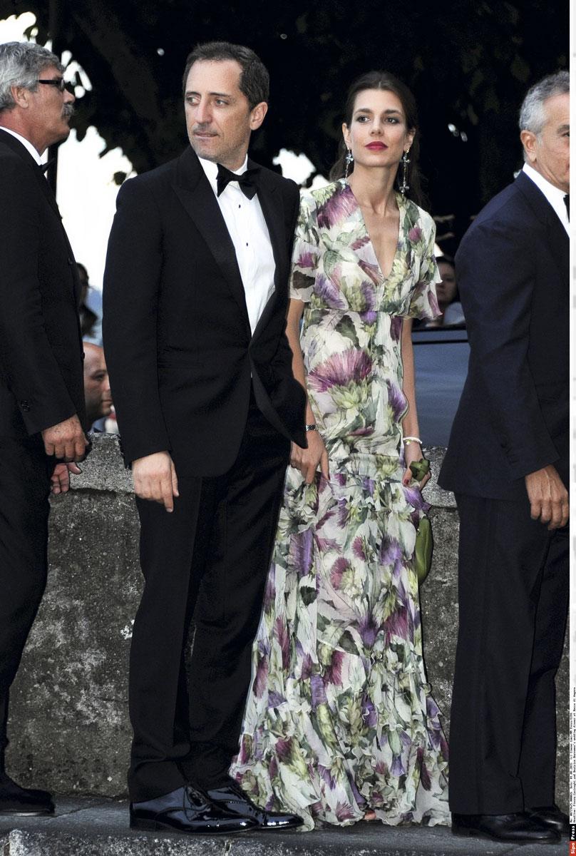 Charlotte Casiraghi y Gad Elmaleh en la boda del hermano de ella, Pierre Casiraghi.
