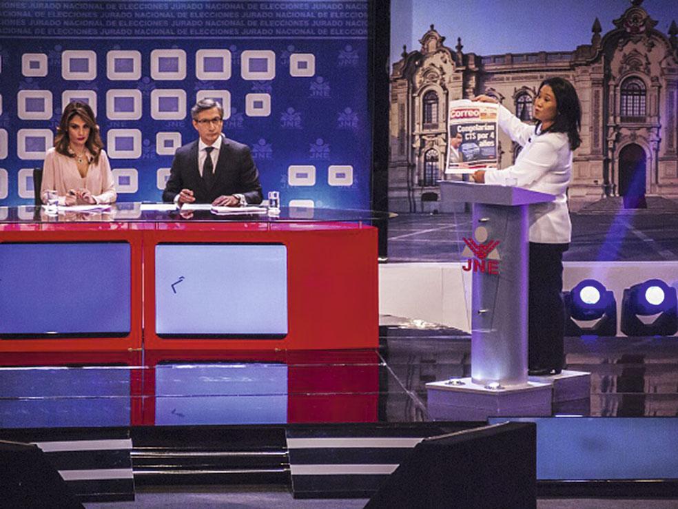 Para Garrido Koechlin, a Keiko Fujimori (aquí en uno de los debates de la segunda vuelta) le faltaron reflejos para separar a Joaquín Ramírez de su entorno apenas aparecieron las denuncias de lavado de activos en su contra.