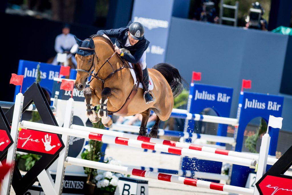 Alonso Prado sortea obstáculos en el Athina Onassis Horse Show, en junio en Saint Tropez.