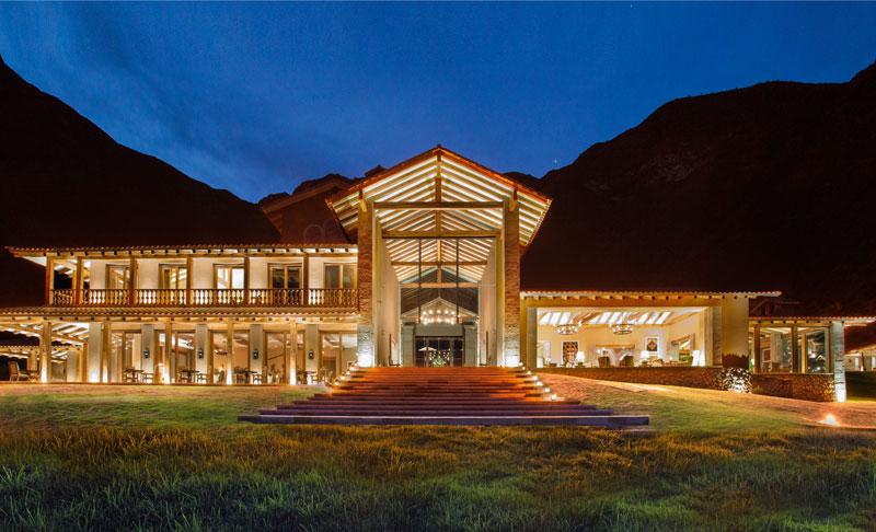 El hotel se encuentra ubicado a unos 2850 m.s.n.m., por debajo de los 3360 de la ciudad del Cusco.