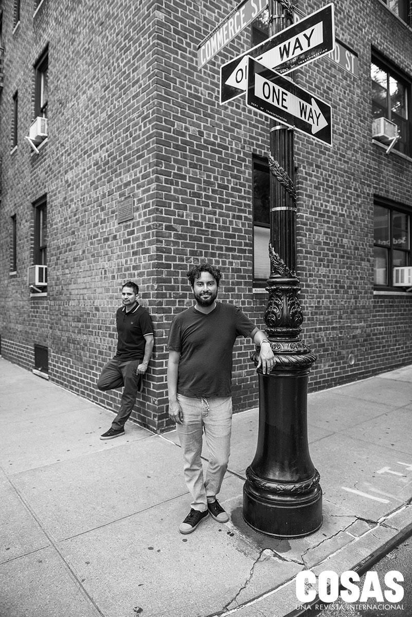 Rolando Córdova (detrás) y Gian Carlo Lanfranco (delante) llevan dos años y medio en Nueva York. Viven en el West Village.  (Foto de Josip Curich)
