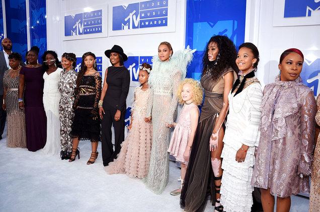 Beyonce-Blue-Ivy-MTV-VMA-red-carpet-2016-billboard-1548