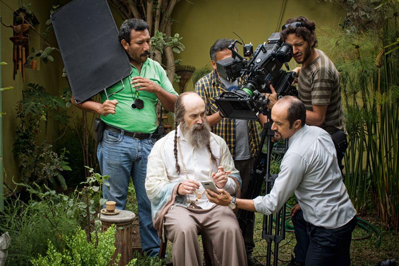 El rodaje tomó seis semanas. En la cinta también actúan Marco Zunino, Gianella Neyra y Federico Luppi, entre otros.
