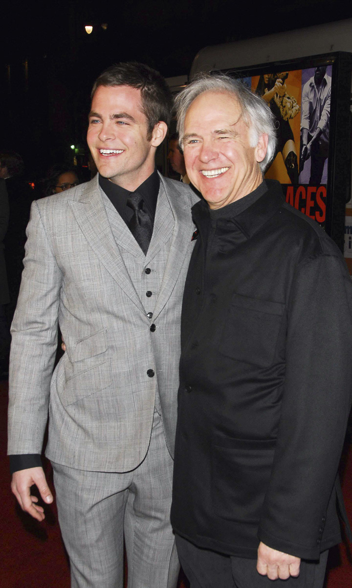 Los actores Chris y Robert Pine.