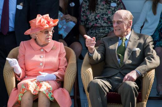 La reina Isabel II y el príncipe Felipe, el duque de Edimburgo.