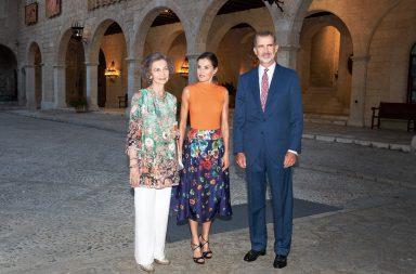 El rey y sus 'dos reinas', Sofía y Letizia.