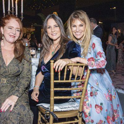 Mariví Mariátegui, Jessy Helfer y Liz Foy.