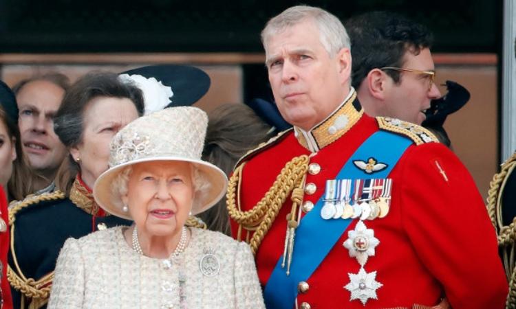 Reina Elizabeth II y Príncipe Andrew