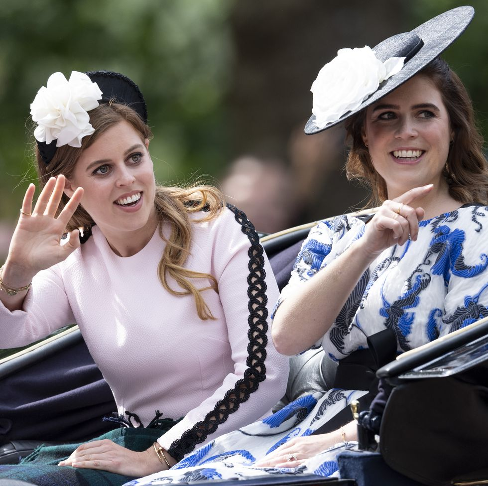 Eugenie y Beatrice Príncipe Harry y Meghan (1)