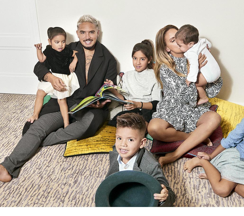 Loco Vargas y familia