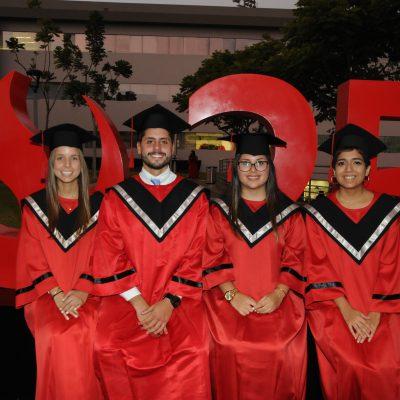 graduación Universidad de Ciencias Aplicadas 8