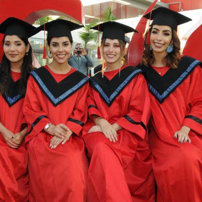 graduación Universidad de Ciencias Aplicadas 90