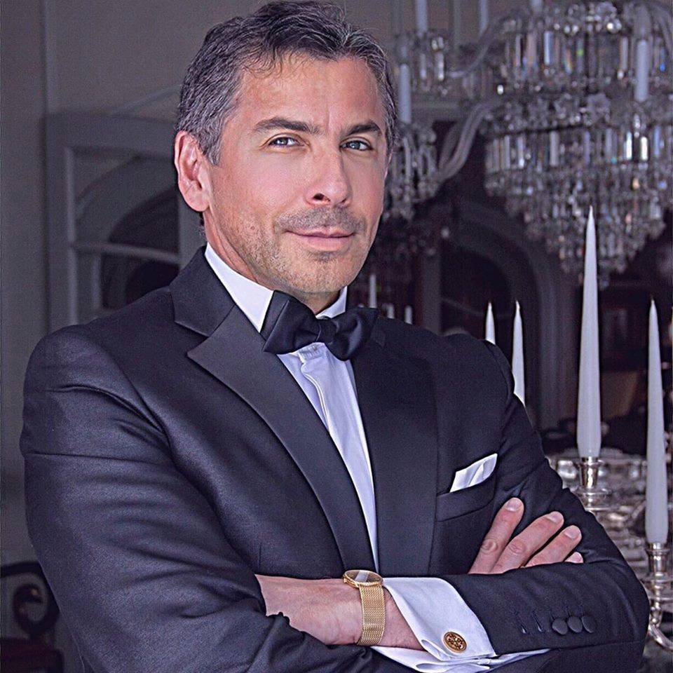 Dermatólogo Aldo Stucchi