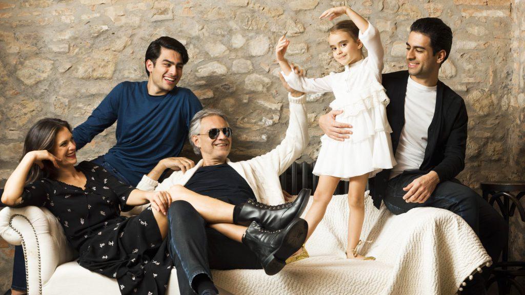 Andrea Bocelli y familia
