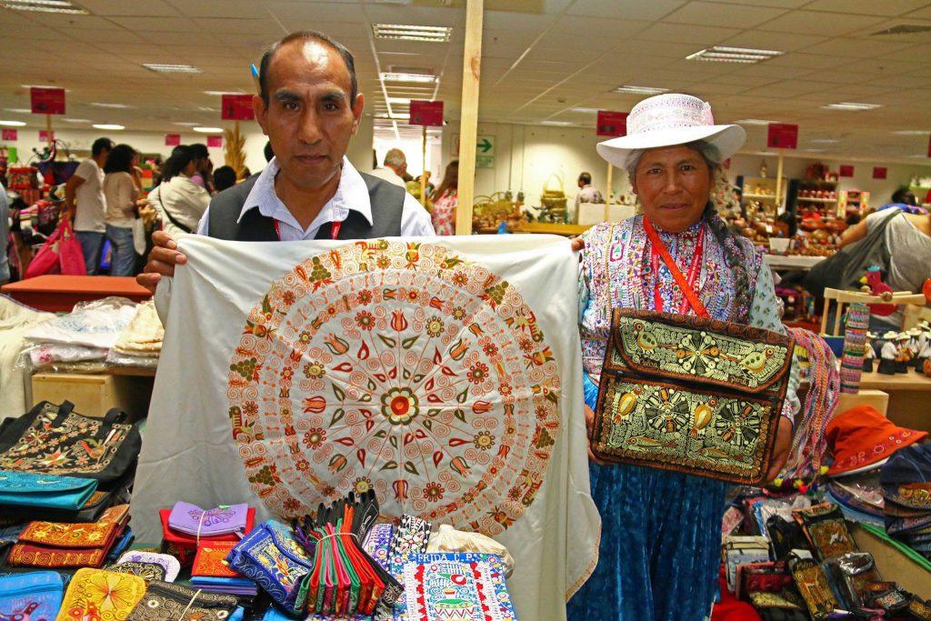Subasta Virtual Manos a la Obra artesanos peruanos 1