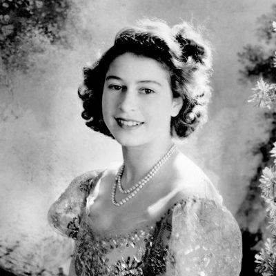 Elizabeth II soberana del Reino Unido 18
