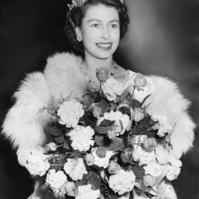 Elizabeth II soberana del Reino Unido 16