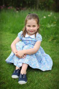 princesa charlotte 4 años