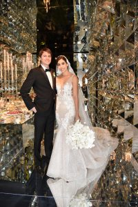 Carlos Valdez Airaldi y Gabriela Ibárcena en su matrimoino, diciembre 2019.