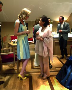 Eva Herzigova y Elizabeth Dulanto en la inauguración de la nueva boutique Chopard en Cannes.