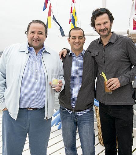 José Luis Martínez, Ricardo Gómez y Rafael Casabonne en Pucusana
