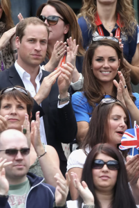 El Duque de Cambridge llegando con la Duquesa de Cambridge