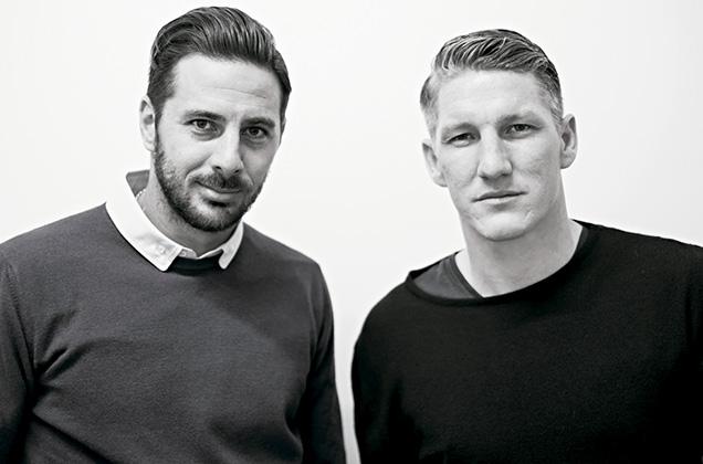 Claudio junto a Bastian Schweinsteiger