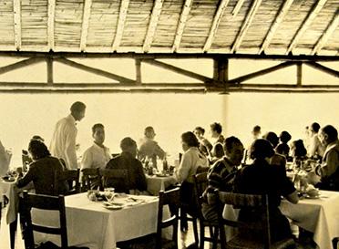 Almuerzo de domingo en el antiguo hotel Paracas.