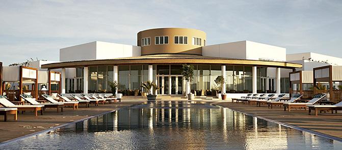 La piscina del Hotel Libertador Paracas ocupa hoy el lugar del antiguo hotel.