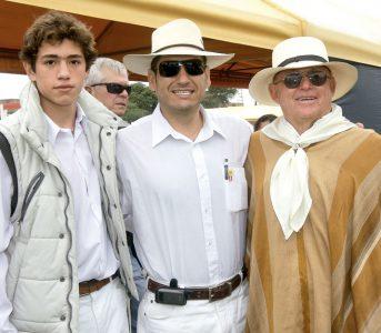 Christian Arbulú Cortés, Ernesto Cortés Rubio y Ernesto Cortés Riofrío, , en una tarde de Caballos de Paso.