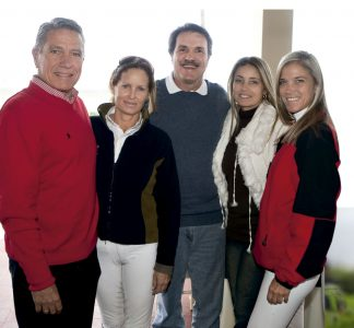 Héctor Velarde, María Gracia De Velarde, Jaime De Azambuja, Liliana De Azambuja y Cynthia Hunt