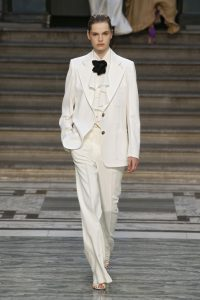 Nicola Peltz, traje de novia de Victoria Beckham