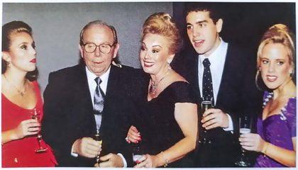 Familia de sabor nacional, 1995. Julie, Johnny, Julie, Johnny Jr. y Jenny Lindley