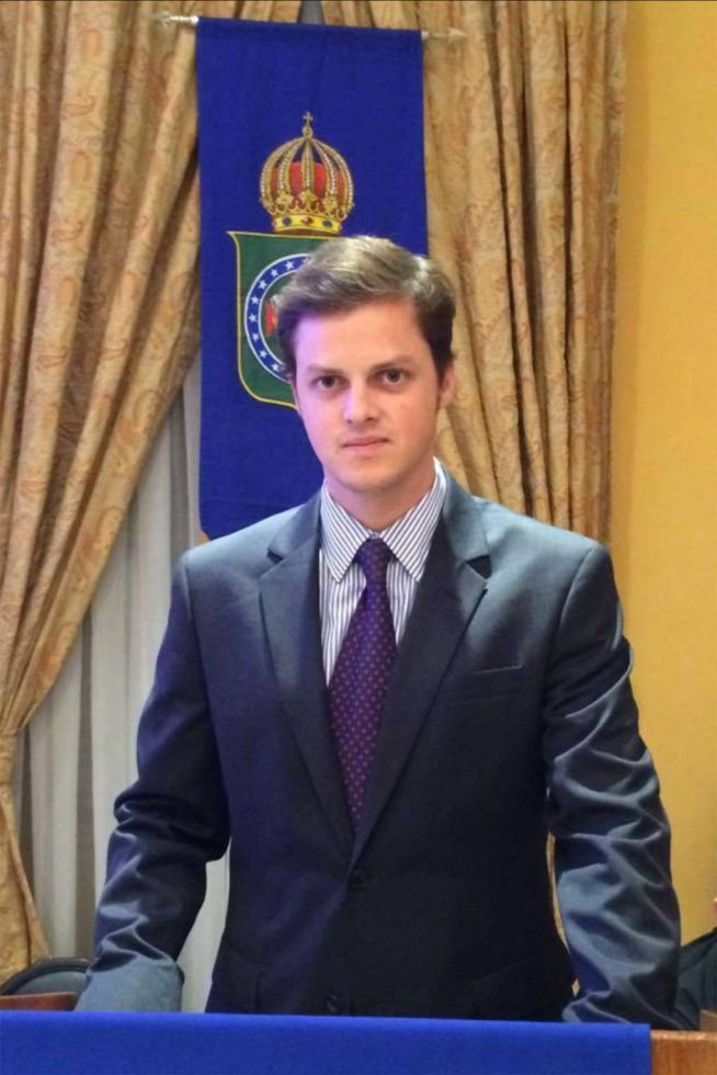Príncipes Rafael de Orleans-Braganza (1)