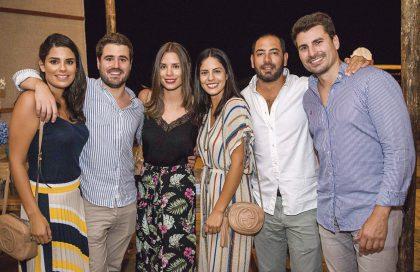 Alejandra Ibárcena, Gonzalo Calvo, Cristina Ibárcena, Mariana Moscoso, Javier Delgado e Ignacio de la Peña, en el cumpleaños de Gabriela Ibárcena.