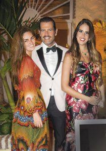 Isabel Miró Quesada, Juan del Mar y Ximena Duque.