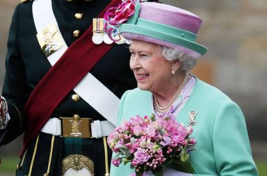 Elizabeth II Palacio de Buckingham (1) (1)