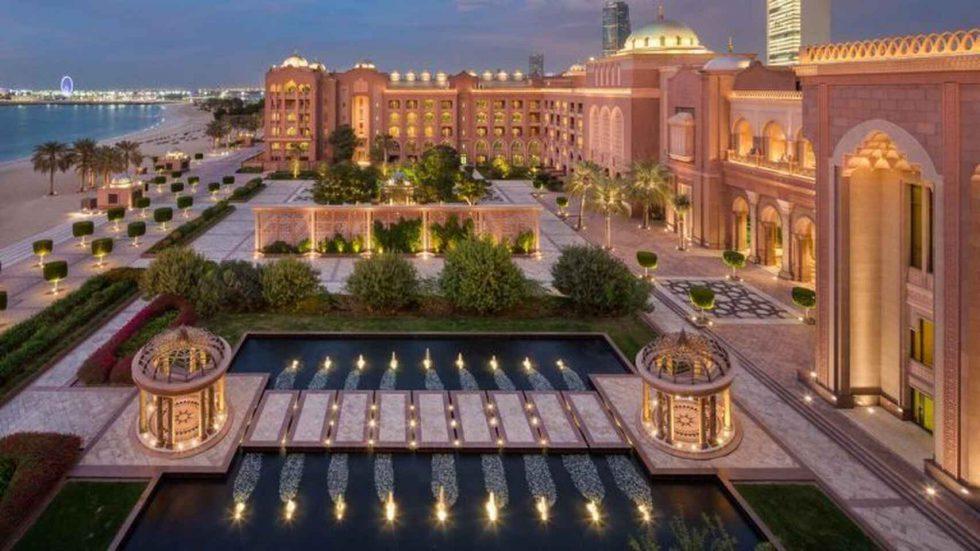 Digno de un rey: El Emirates Palace donde se hospeda Juan Carlos.