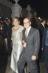 Embajador de Estados Unidos Peter Michael McKinley y su esposa, Fátima.