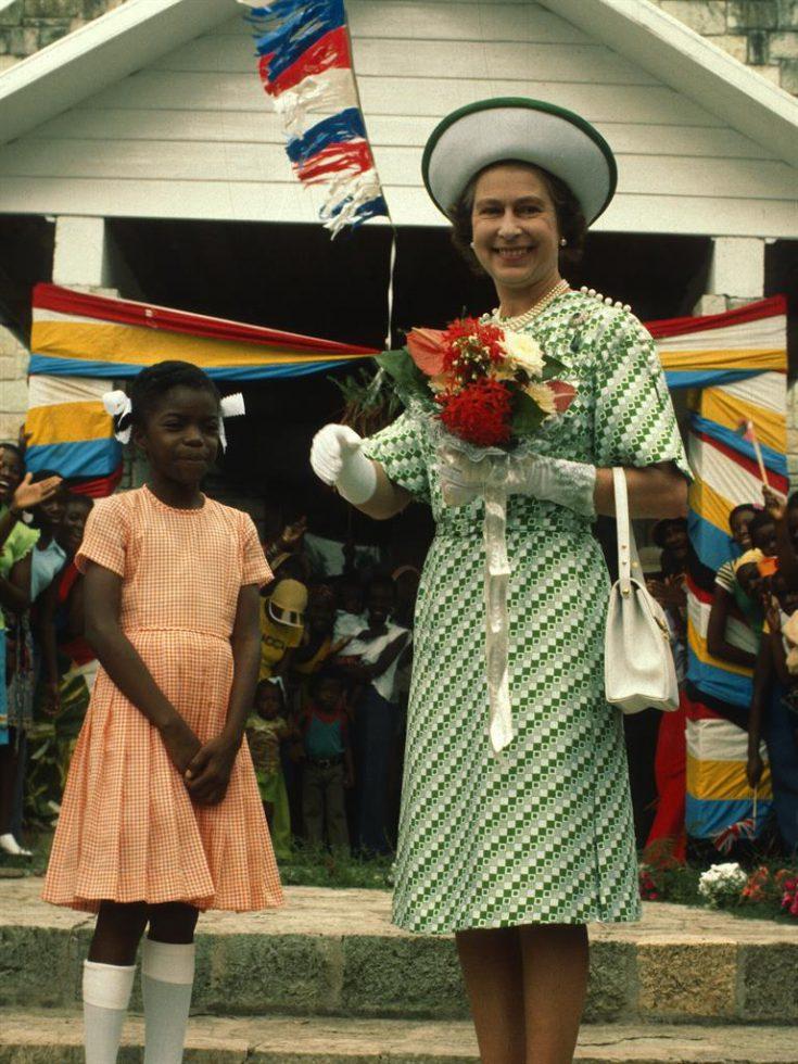 La reina Isabel en visita oficial a Barbados, 1976.