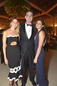 Stephanie Furman, Ricardo Ghibellini y Alexandra Tavouiari
