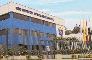 San Ignacio de Recalde School fachada