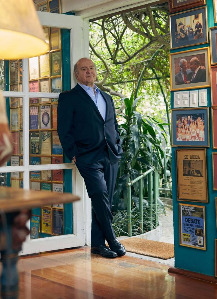 Hernando de Soto Mario Vargas Llosa Entrevista