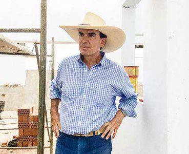 José Antonio Olaechea no vive a tiempo completo en el campo, pero va casi todos los fines de semana a Ica para supervisar el funcionamiento de la viña y la bodega de Tacama.