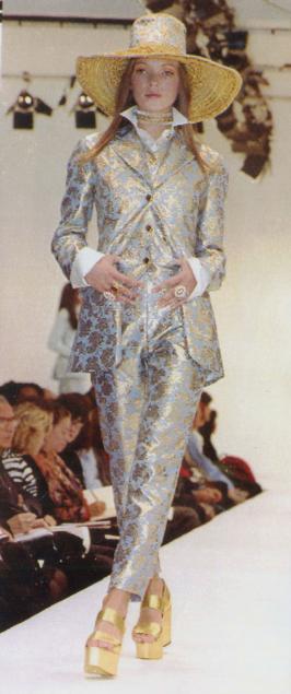Kate Moss a los 18 años cuando debutó para Dolce & Gabbana.